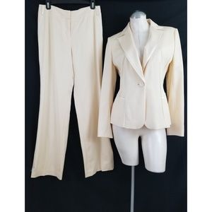 Ann Taylor Size 6 Ivory Pant Suit Virgin Wool